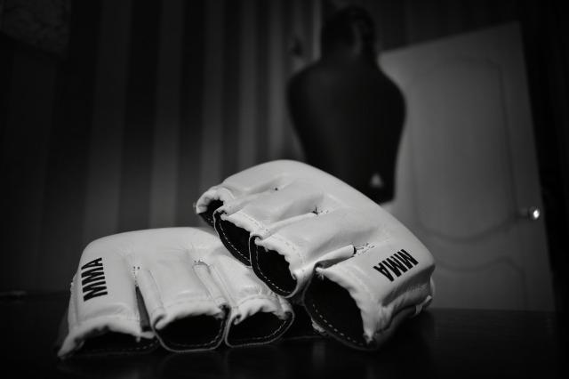 gloves-3311299_1920
